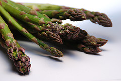 Photo (asparagus asparagus can you do the fandango, itsjustanalias, flickr, creativecommons)